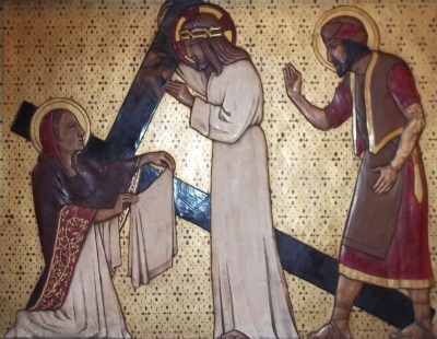 Jesus Rewards Veronica's Charity
