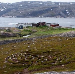 The turf labyrinth at Holmengrå
