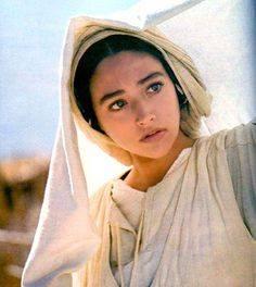 Mary J o N